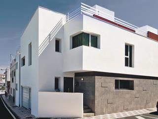 Edificio Catalina: Casas de estilo  de Morada arquitectura e interiorismo