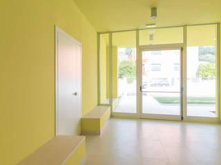 Atrio: Ingresso & Corridoio in stile  di Elsa Campolucci Architetto