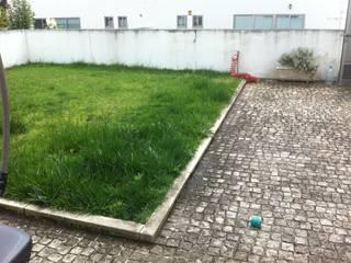 Remodelação de Logradouro / jardim com piscina:   por espaço MUDE,Moderno