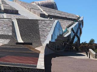 Ciudad de la Cultura de Galicia Palacios de congresos de estilo minimalista de Cuarcitas Aveneira S.L., Minimalista