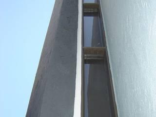 CASA PATIO Casas modernas: Ideas, imágenes y decoración de ARQUITECTO MAURICIO PIZOLATTO Moderno