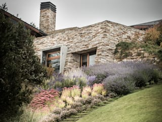 Jardines modernos de Sidoni&Asoc Moderno