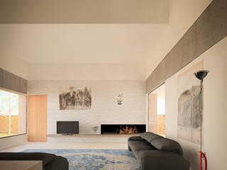 Villa singola: Soggiorno in stile in stile Moderno di MIDE architetti