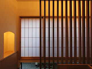 Eclectic style corridor, hallway & stairs by 平林繁・環境建築研究所 Eclectic