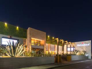 CENTRO 47 by TAMEN arquitectura Modern