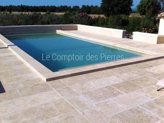 クラシカルスタイルの プール の LE COMPTOIR DES PIERRES クラシック