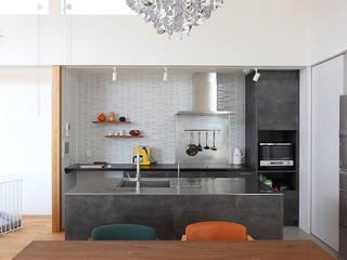 久安の家 M house 北欧デザインの キッチン の MAG + 宮徹也建築計画 北欧