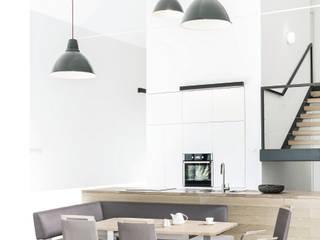 Minimalizm w kuchni od KMK Kolekcja Mebli Sp. z o.o. Minimalistyczny