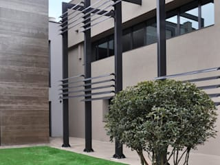 Jardines minimalistas de ARCHITETTO Ingrid Fontanili Minimalista
