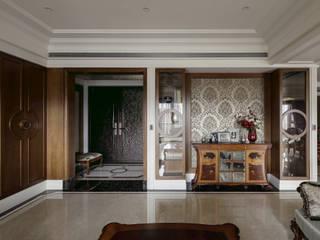 尋找古典的本質 大荷室內裝修設計工程有限公司 客廳 Brown