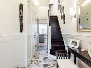 Abbeville Road Couloir, entrée, escaliers modernes par Orchestrate Design and Build Ltd. Moderne