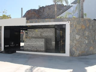 Negro High Gloss Dinding & Lantai Modern Oleh Innovus® Modern