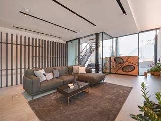 Attico G 43/11 con piscina Vienna Soggiorno moderno di FADD Architects Moderno