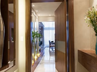 Modern Corridor, Hallway and Staircase by Infinity Spaces Modern