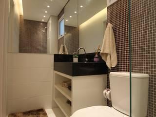 Pricila Dalzochio Arquitetura e Interiores Baños modernos Morado/Violeta
