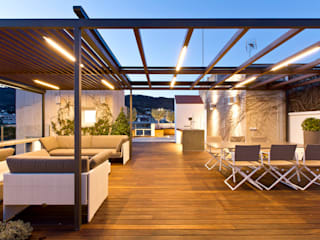 Modern balcony, veranda & terrace by Garden Center Conillas S.L Modern