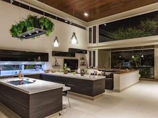 Kitchen by Loyola Arquitectos