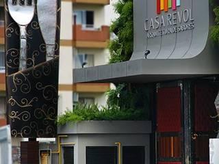 CASA REVOL - Balneário Camboriú/SC Cozinhas modernas por VIALIVIALI Arquitetura Moderno