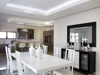 Waterfall Estate New Home: minimalist  by Blaque Pearl Lifestyle , Minimalist