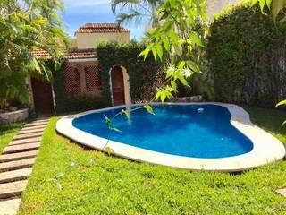 Garden Pool by SG Huerta Arquitecto Cancun , Tropical Tiles