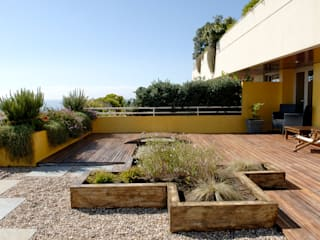 Modern Terrace by TERRA JARDIM Modern
