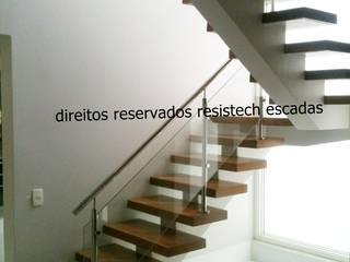 Escadas Viga Central Espaços comerciais modernos por Resistech Escadas Moderno