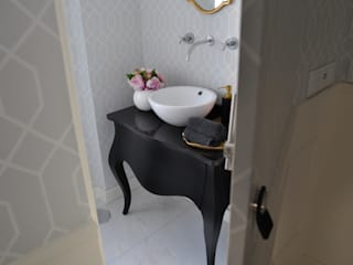 Bathroom by Perfect Home Interiors