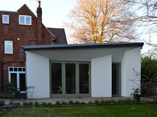 Extension & Reconfiguration in Hindhead, Surrey ArchitectureLIVE 現代房屋設計點子、靈感 & 圖片 White