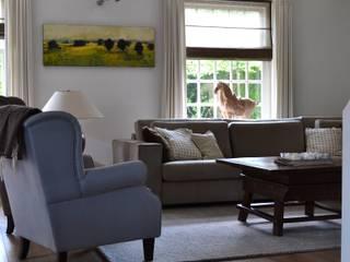 Wohnzimmer im Landhausstil von Wood! by Vorselaars Landhaus