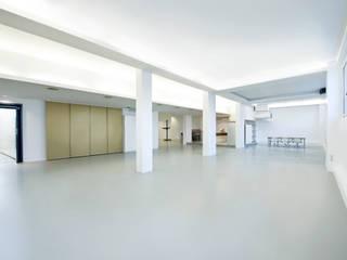 ms.foto.group destilat Design Studio GmbH Moderne Geschäftsräume & Stores