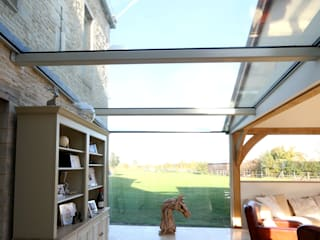 Green Barn Country style conservatory by IQ Glass UK Country