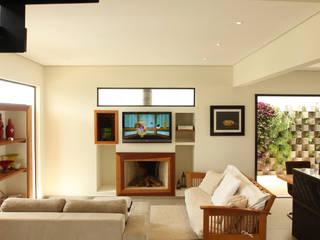 Salas de estilo moderno de Taguá Arquitetura Moderno
