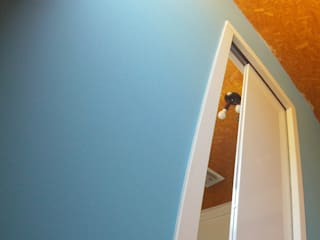 Portas Termo-Acústicas Portas e janelas modernas por Door&Space Moderno