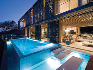 Eclectic style pool by ARRCC Eclectic