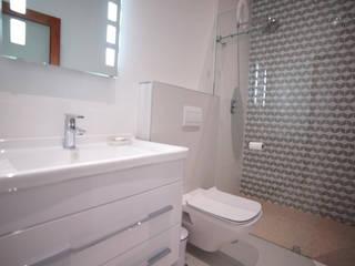 Covet Design Modern style bathrooms