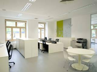 Agentur Strobl destilat Design Studio GmbH Moderne Bürogebäude