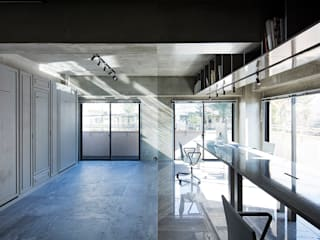 Rustic style study/office by 松島潤平建築設計事務所 / JP architects Rustic