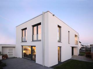 Neubau in Bonn PlanBar Architektur Moderne Häuser Grau
