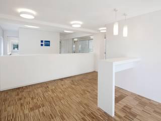 Hammerl Immobilien destilat Design Studio GmbH Moderne Bürogebäude