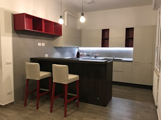 Un appartamento giovane e accogliente:  in stile  di Arredamenti Grossi