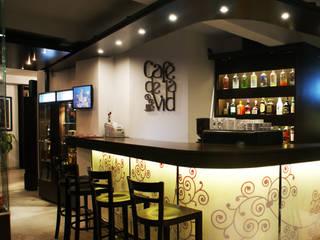 BAR CAFE: Bares y Clubs de estilo  por Estudio Bono-Sanmartino