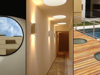 Edificio Residencial: Pasillos y recibidores de estilo  por Estudio Bono-Sanmartino
