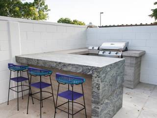 PATIO 5 Modern Terrace by TAMEN arquitectura Modern