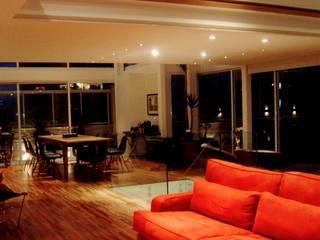 Salas / recibidores de estilo  por ROBERTO SPINA ARQUITETOS ASSOCIADOS, Moderno