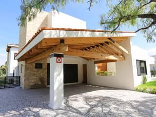 Arquitectura MAS Modern garage/shed