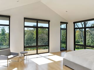 Rosedale Residence: modern Bedroom by KUBE Architecture