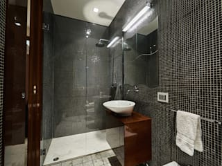 Modern bathroom by Zeno Pucci+Architects Modern