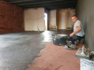 woonbeton over houten vloer:  Muren door stucamor