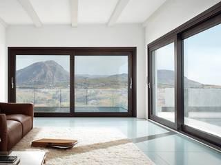 Serramenti in alluminio: Finestre & Porte in stile in stile Moderno di Serramenti Milano
