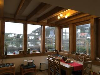 Kitchens:  Conservatory by Edinburgh Contractor Ltd